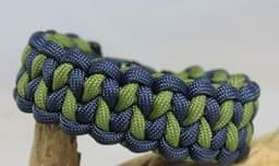 Bild von Paracord Armband DRAGON TEETH - navvy / moos